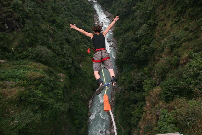 Bungee jumping è uno sport estremo ma forse è inappropriato
